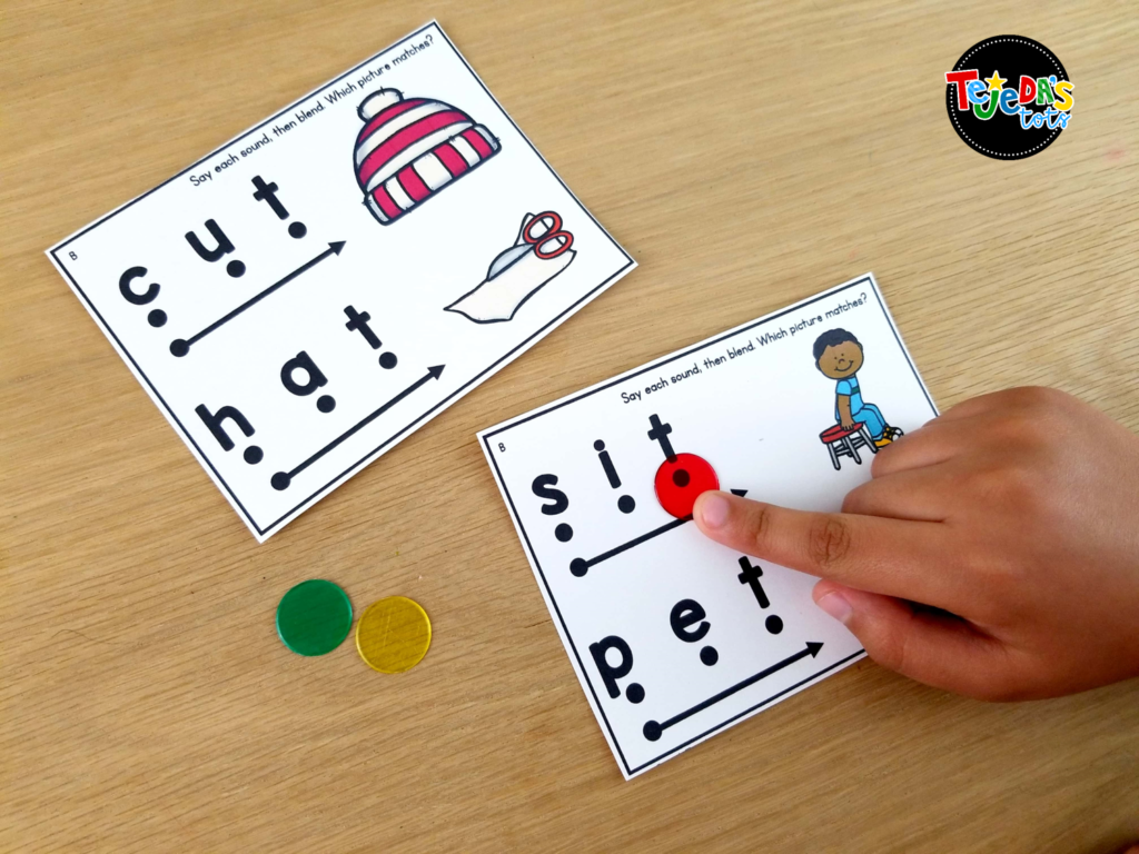 These skill cards are perfect to targeting specific reading skills your students need more practice with. Use them during guided reading or intervention! Read to learn tips that can help you make the most of your time with your small reading groups in kindergarten and first grade. #tejedastots #guidedreading